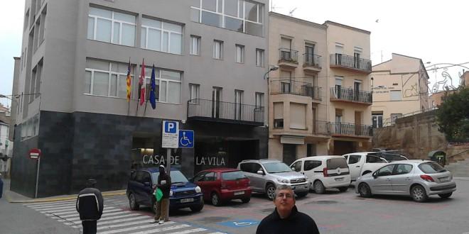 La Polícia local d'Alcarràs prohibeix posar cartells al PCPC