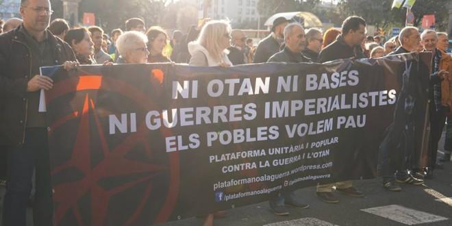 Crònica de la manifestació contra la Guerra i l'OTAN