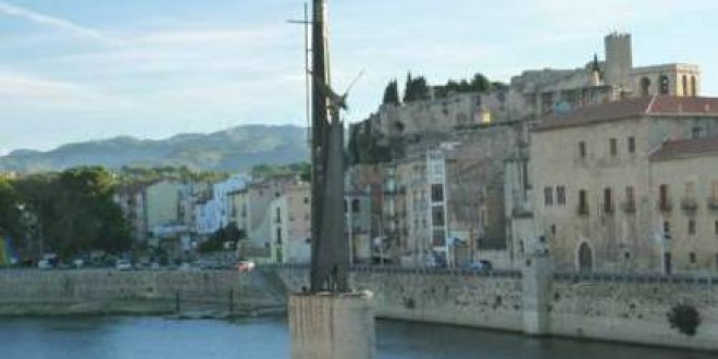 Comunicat del PCPC respecte al manteniment del monument feixista a la ciutat de Tortosa