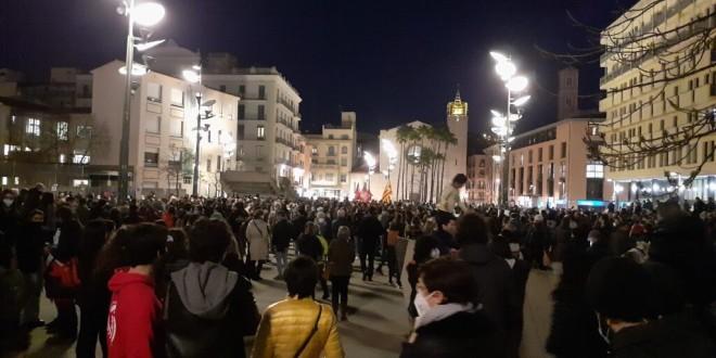 MANIFESTACIÓ A GIRONA DEMANANT LA LLIBERTAT DE PABLO HASEL